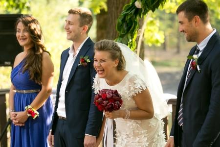Zauberer für Hochzeit in NRW - Brautpaar und Hochzeitsgäste sind begeistert vom zauberhaften Programmpunkt auf Hochzeitsfeier im Ruhrgebiet